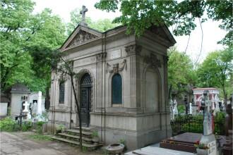 Cimitirul Bellu, deschis sambata noaptea pentru turisti. GALERIE FOTO