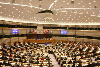 Doi eurodeputati cer CE sa analizeze situatia din Romania, propunand suspendarea dreptului de vot