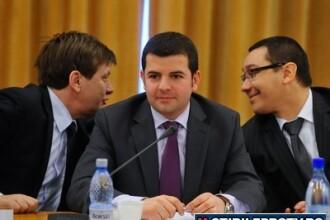 USL schimba macazul. Opozitia se duce la consultarile cu Basescu, dar il vrea si pe Boc la intalnire