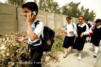 Telefoanele mobile, interzise in scoli. Cum argumenteaza propunerea expertii Consiliului Europei
