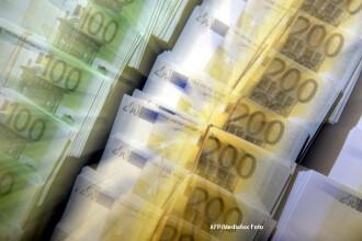 Cursul a coborat usor fata de nivelul de ieri. 1 euro = 4,4435 lei