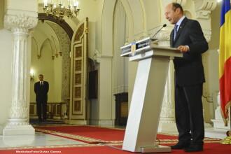 Basescu s-a plans romanilor din Chicago de situatia politica.