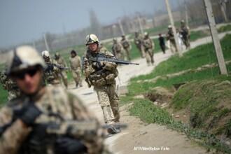 NATO se retrage din Afganistan, fara a parasi tara. 130.000 de soldati, retrasi pana in 2014