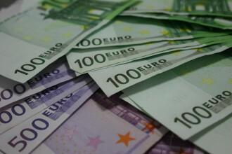Cursul, inchis la sfarsitul zilei la aproape 4,47 lei/euro. Cum a fost afectat de bancile din Spania