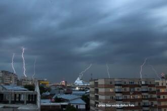 Avertizare ANM: Furtuni in majoritatea regiunilor Romaniei. De luni, vremea se racoreste