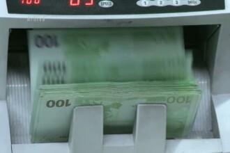 Cursul a urcat spre 4,4750 lei/euro, dupa un nou sondaj privind alegerile din Grecia