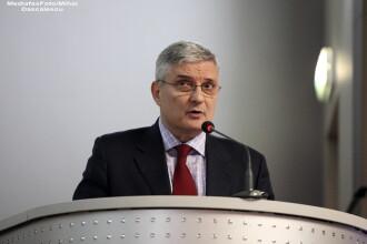 Daniel Daianu se retrage din postul de consilier de stat al premierului Ponta din