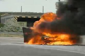 Accidente in lant pe autostrazile Romaniei in ziua exodului de la mare. O masina a luat foc pe A2