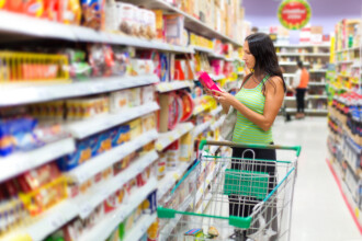 Investigatie fara precedent in marile supermarketuri din Romania. De ce sunt suspectate Auchan, Carrefour, Cora si Kaufland