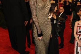 Rochia purtata de Miley Cyrus a atras toate privirile: