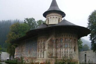 Frescele unice in lume ale manastirilor din Bucovina. Misterul culorilor imposibil de reprodus