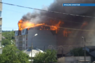 Incendiu violent intr-un bloc din Husi. Marturiile oamenilor care s-au salvat la timp