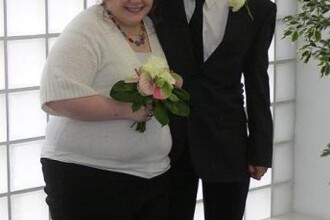 Si-a refacut pozele de nunta dupa 4 ani.