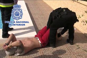 Dat in urmarire generala, un tanar a fost arestat in timp ce statea la plaja, in Spania