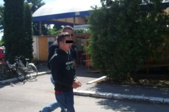 Sofer de ocazie, un tanar de 19 ani a furat o masina si a ajuns cu ea direct in sant