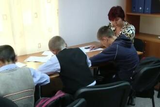 Jumatate din elevii din mediul rural abandoneaza scoala dupa 8 clase. Ce solutie au autoritatile