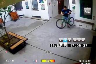 Cum se fura o bicicleta in 20 de secunde.