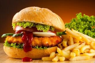 Angajatii fast-food-urilor din 33 de tari protesteaza pe 15 mai. Nemultumirile pe care le au angajatii McDonald's si KFC