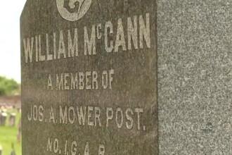 VIDEO. Greseala de pe piatra funerara a unui militar american. A murit inainte de a se naste