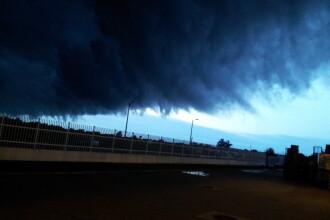 Fenomenul spectaculos de pe cerul Timisoarei. Imaginile surprinse de locuitori