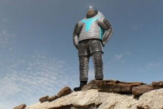 Ce o sa fie la moda pe Planeta Rosie. NASA a prezentat prototipul costumulului care va fi purtat de astronauti pe Marte