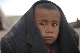 DOLIU national in Afganistan, unde 350 de oameni au murit, iar aproape 2.000 sunt dati disparuti dupa o alunecare de teren