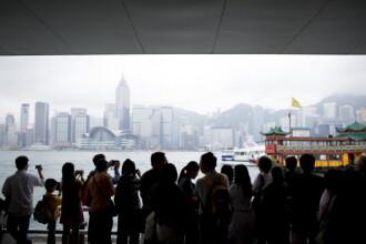 Doua nave comerciale s-au ciocnit in apropiere de Hong Kong. Unsprezece persoane sunt date disparute