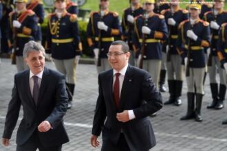 Vicepresedintele CJ Alba cere demisia lui Dusa: A trimis Armata IV Transilvania la parada la Alba Iulia fara combustibil