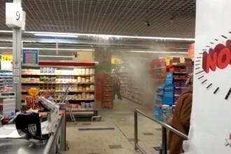Potopul din hypermarket si balta in care masinile au devenit barcute, intre imaginile care s-au viralizat dupa ploile de ieri