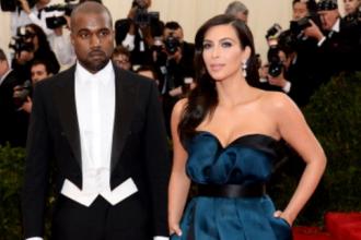Rita Ora si Kim Kardashian, aparitii dezastruoase la Gala Met. Ce s-a intamplat cu rochiile lor pe covorul rosu