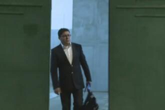 Prima imagine cu omul de afaceri Gruia Stoica parasind penitenciarul.