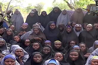 Infernul celor peste 200 de eleve rapite in Nigeria. Liderul gruparii anunta ca le-a convertit la islam. VIDEO