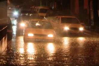 In 24 de ore, cantitatile de precipitatii au ajuns la 79 de l/mp in Timis. Meteorologii spun ca nu a mai plouat asa din 1960