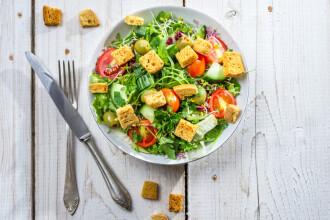 Dieta mediteraneana, perfecta pentru mentinerea sanatatii. De ce nu este recomandat sa mancam alimente fierbinti