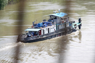Autostrada Soarelui poate fi inundata in orice moment. Unul dintre digurile aflate in apropiere poate ceda in fata Dunarii