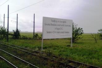 Primaria Arad se razbuna pe CNADNR cu panouri care amintesc de pasajele rutiere abandonate