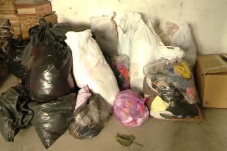 Haine, bani si conserve pentru sinistratii din Serbia. Ajutoarele se strang la bisericile si manastirile sarbe din Banat