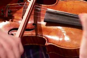 Vioara de aproape 1,5 milioane de euro, cu propria masina blindata. Regim special pentru singurul Stradivarius din patrimoniu