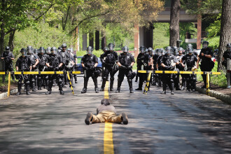 Scene impresionante ce arata disperarea angajatilor McDonald's din SUA. Protestatarii cer un salariu minim de 15 dolari/ora