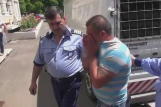 Scena ca in filme intr-o casa din Galati. O femeie a fost legata si amenintata sub ochii fiicei sale de trei talhari