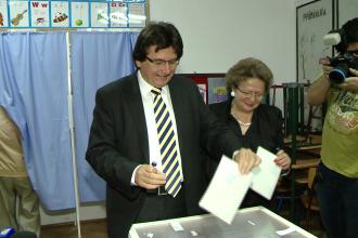 """Robu a votat la Scoala Generala Nr. 30: """"Am votat pentru cea mai buna reprezentare a Timisoarei in Parlamentul Romaniei"""