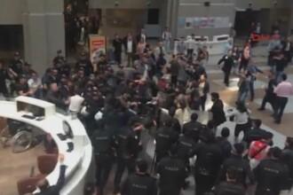 Confruntari violente intre politisti si avocati, la Istanbul. Motivul pentru care s-au incins spiritele
