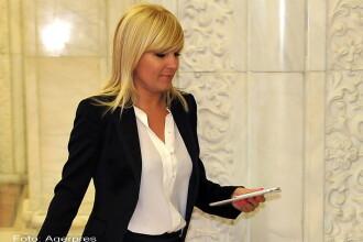 Elena Udrea ramane in arest la domiciliu. Fostul ministru s-a declarat uimit de sutele de mesaje primite pe telefon