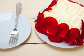 Prajitura cu panselute si tortul de ciocolata cu trandafiri. O digestie sanatoasa incepe de la un balcon bine ingrijit