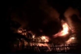Incendiu de proportii intr-un sat din Ilfov. Unul dintre cei ramasi fara casa vorbeste despre o razbunare