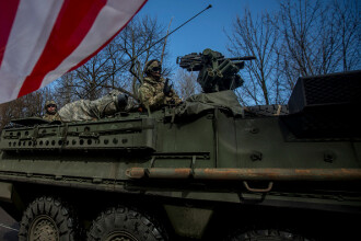 Tarile baltice vor sa gazduiasca efective de mii de soldati NATO. Polonia cere o baza militara permanenta