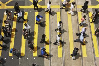Pedeapsa crunta pentru o femeie care a traversat strada pe rosu, ignorand avertismentele unei politiste