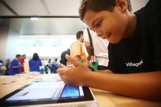 Generatia nascuta in era tehnologiei. Sfaturi pentru parintii ai caror copii vor prea des la calculator sau tableta
