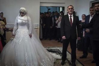 Nunta in stil cecen: seful politiei si-a luat o nevasta cu 30 de ani mai tanara dupa ce i-a amenintat parintii