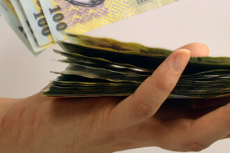 Ministrul Muncii a anuntat CRESTEREA salariului minim. Ce se va intampla cu indemnizatiile pentru mame